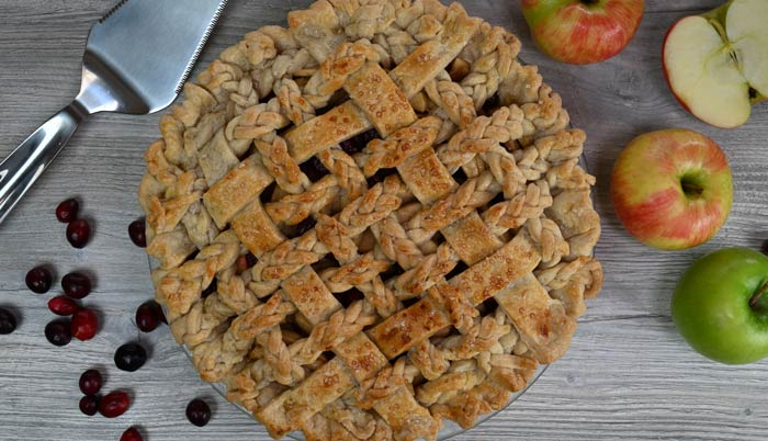 Old Fashioned Apple Cranberry Pie